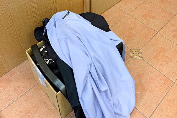 外套和衣服都要反脱,把病毒包入裡層,且最好儘快放入洗衣機清洗。(鄭元瑜提供)