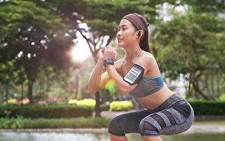 「慢速深蹲」是睡眠諮詢師友野尚最推薦無氧運動No.1,能直接瘦下半身。(Shutterstock)