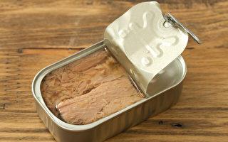 罐頭因儲存時間長,在疫情期間是囤糧必備,但要怎麼吃得營養健康?(Shutterstock)