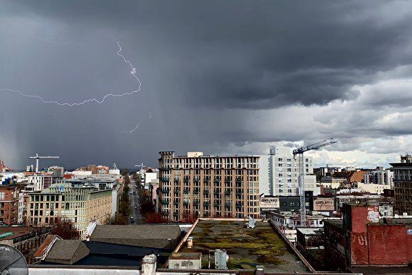 風暴伴隨雷電襲擊北溫
