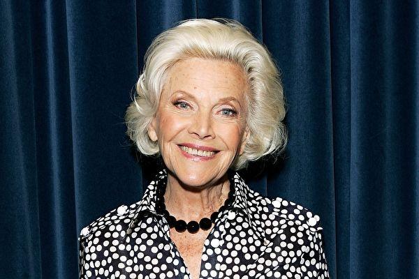 《007》第三代庞德女郎辞世 享寿94岁