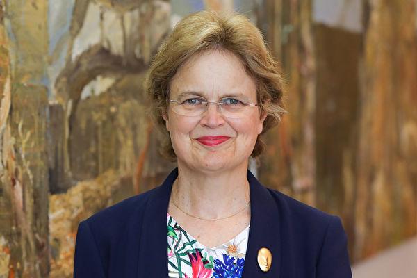 澳洲外交部常务部长孙芳安(Frances Adamson)