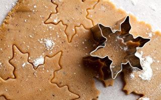 烤饼干有妙招  烤盘颜色也有影响
