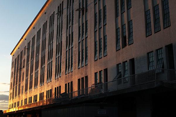 疫情下纽约房东行善 免收几百名房客的租金