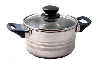日本拉面店防疫新招:请顾客带自己的锅子来