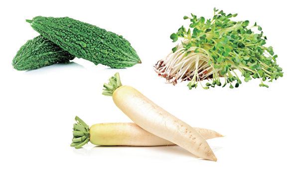 煮蔬菜湯的推薦食材:苦瓜、白蘿蔔和豆芽菜。(和平國際提供)