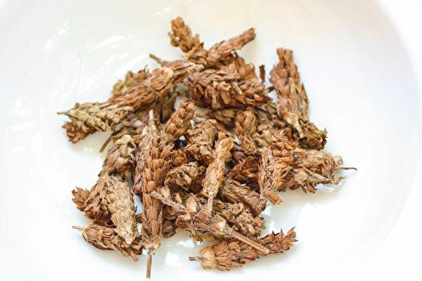 夏枯草可以軟堅化結,避免中共病毒(武漢肺炎)導致的肺臟纖維化。(Shutterstock)