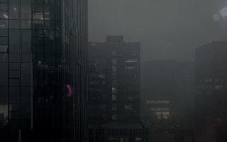 組圖:兩會首日 大陸微博「北京天黑」刷屏