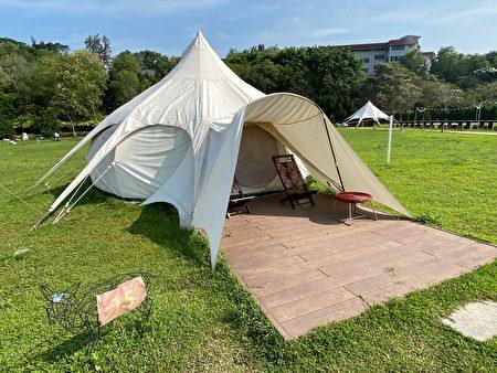 山那村裡的帳篷之一。