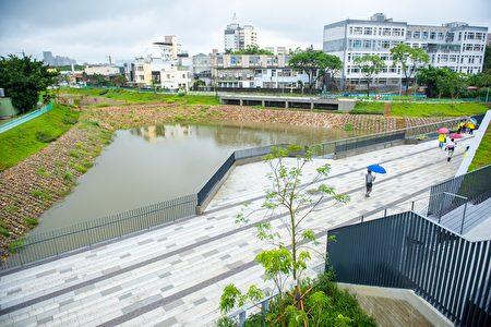 14A滯洪池可容納3萬立方公尺的水量。