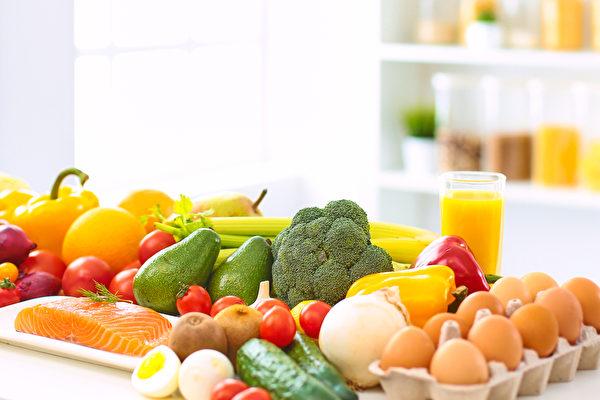 癌症患者均衡攝取天然食物有助提升免疫力。(Shutterstock)