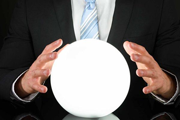 【名家專欄】面對疫情「專家」沒有水晶球