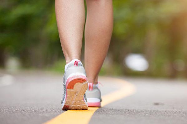 必須經常活動雙腳,才能避免足部老化。(Shutterstock)