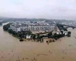 三峡上游暴雨成灾 水还在涨