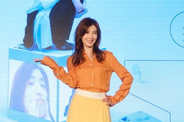 苏慧伦重拍《恋恋真言》MV 邀巫建和于晴演绎