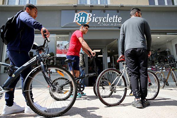 組圖:自行車熱賣 紐約銷售比疫前暴增600%