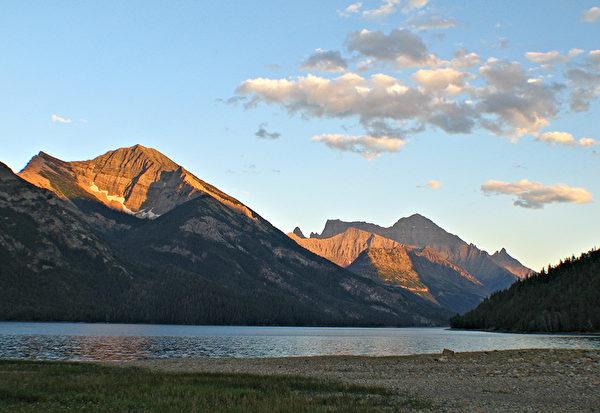 Waterton Lakes National Park,lake