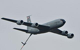 美军机KC-135巡弋巴士海峡