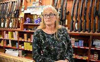暴力和反警势力膨胀 美国买枪自卫者激增
