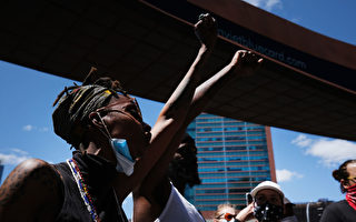 美近1400暴力抗议者被捕 官员忧第二波疫情