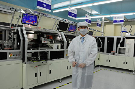 明新科大「半導體封裝測試類產線」設備與業界同級,提供給學生「類似」 工廠生產線的優質實習場域。