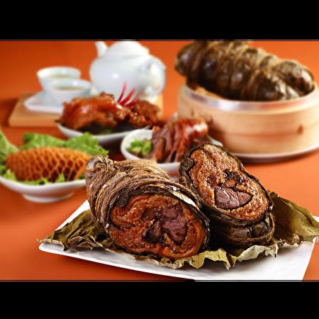 米其林一星的天香楼推出由牛筋、牛腱、牛肚组合而成的三宝粽。