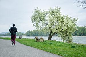 43岁身心亮红灯 跑步让他甩掉压力、走出困境