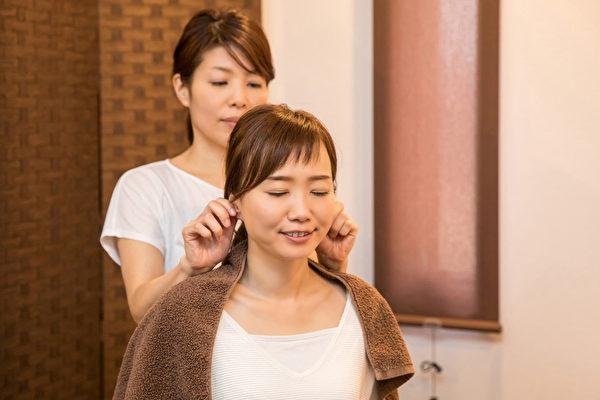 當子宮健康已經影響皮膚,尤其是出現內分泌失調,應該如何調養?(Shutterstock)