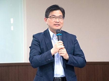 中原大學校務研究曁策略處策略長吳肇銘致詞。