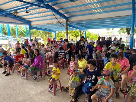 雲林縣鄉土發展協會日前在口湖休閒農業發展協會舉辦「牙聯健雲學園畢業典禮」