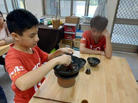 唐朝煮茶法。