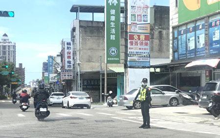 演习正式开始时,虽会发放警报,但全程不管制人、车通行,亦不管制商家灯火及营业。
