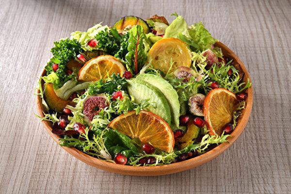 低溫烹調方法之一:生食(沙拉)法。(日日幸福提供)