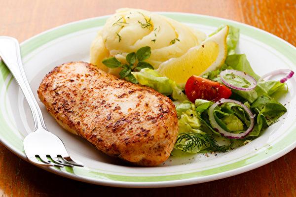 一日三餐全部吃好、吃饱,也能瘦下来不复胖。(Shutterstock)