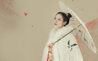 七夕情人节工作度过 丁当拍照圆梦当古典美人