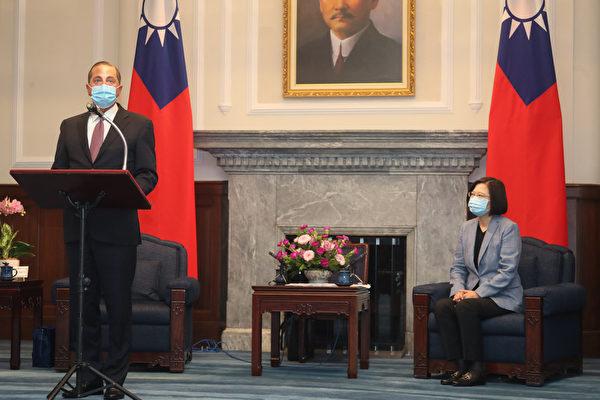 美衛生部長會晤蔡英文 肯定台灣民主醫療成就