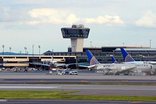 航班延飞 120中国乘客被拒登机 滞留美机场