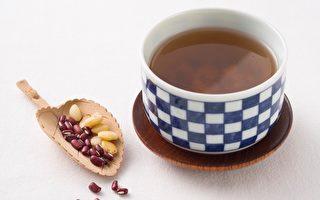 药食同疗:利水除湿 赤扁薏仁黑豆汤