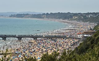 游客太多 英国海滨城镇居民不满