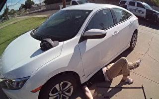 美國警察手抬3000磅轎車 救出被壓男子