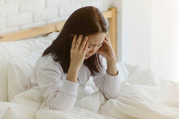 头痛有五大常见原因,如何迅速止痛?(Shutterstock)