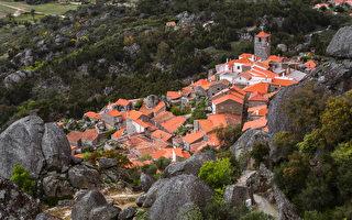 葡萄牙最美的村莊之一 建立在巨岩之間