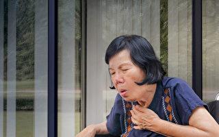 老年人是吸入性肺炎的高風險族群。(Shutterstock)