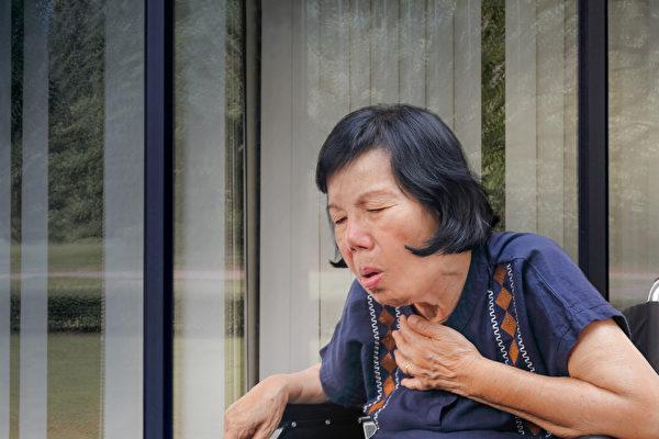 老年人是吸入性肺炎的高风险族群。(Shutterstock)