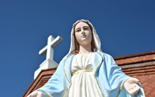 疫情下意大利聖母雕像流血淚 引民眾圍觀