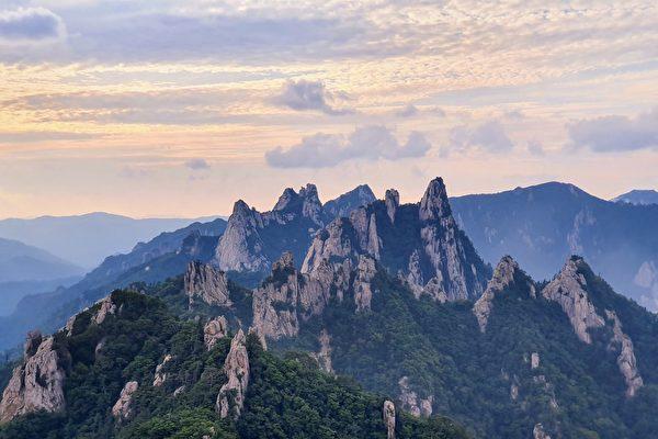 五色雪岳山 绝美之景四季都惊叹