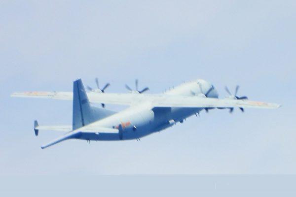 中共军机被驱离罕见喊话 专家:欲把台海内海化
