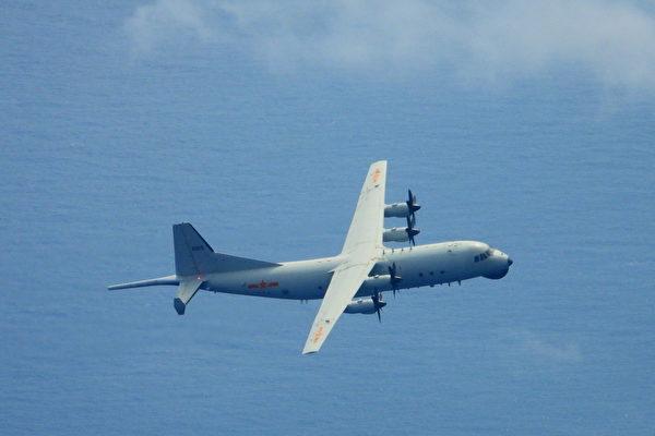 中共2架運8反潛機再擾台 侵入台防空識別區