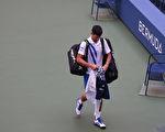 德约科维奇击球打中裁判 被判负从美网出局