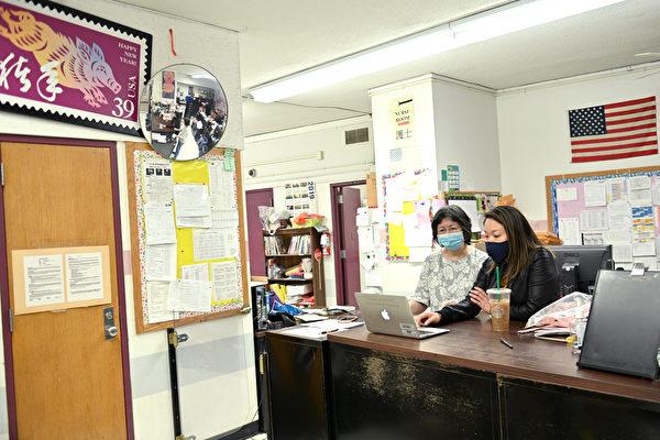 """校长批纽约学校防护品为""""黑市垃圾""""  来自中国"""